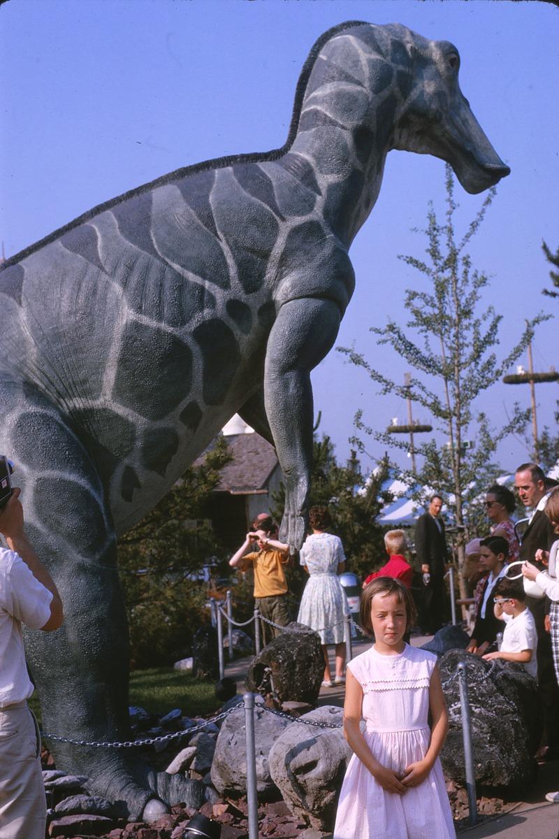 16 1964.08 Worlds Fair Jenny + Dinosaur